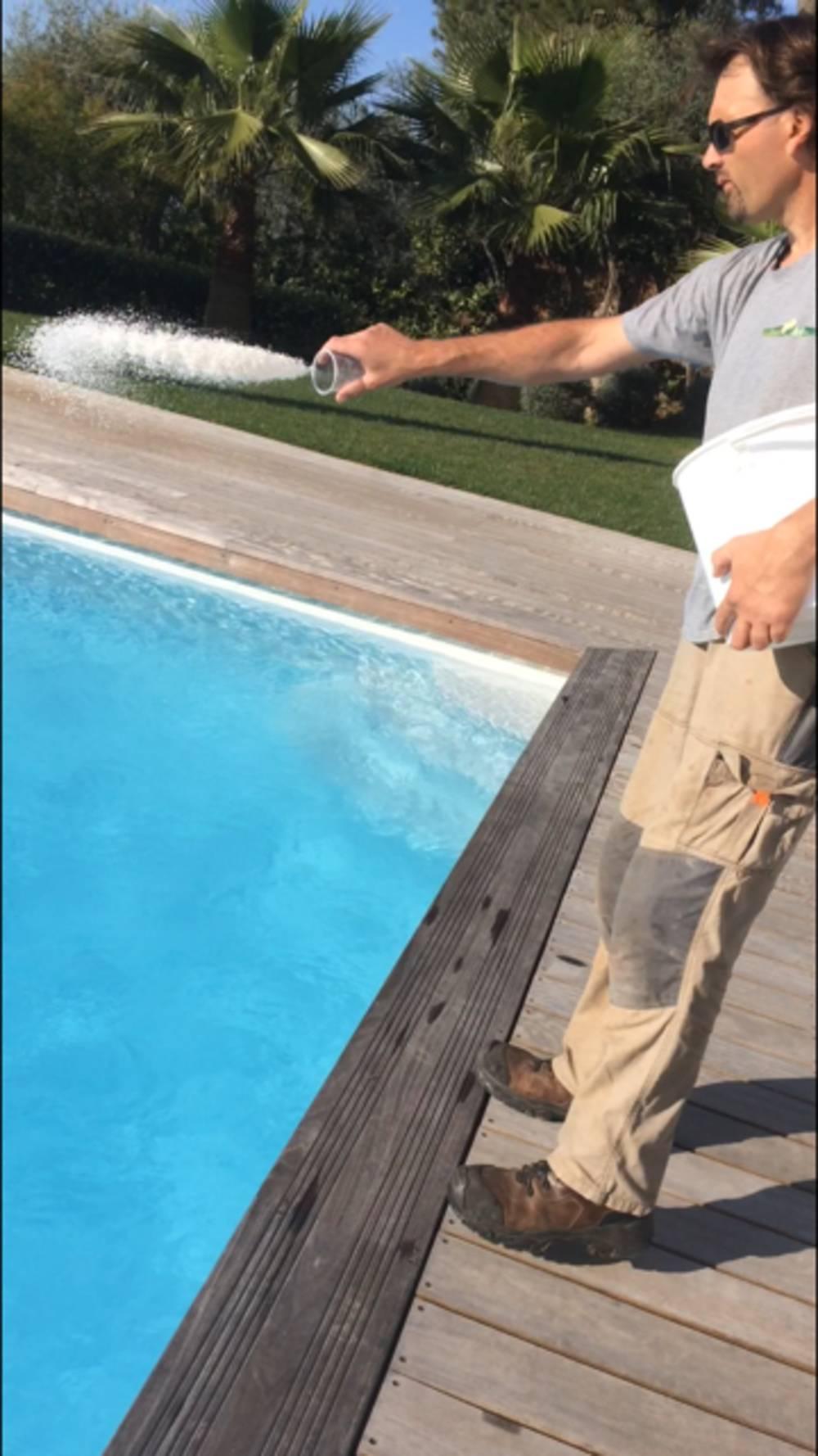 Entretien de piscine artisan paysagiste cannes bocca for Entretien de piscine