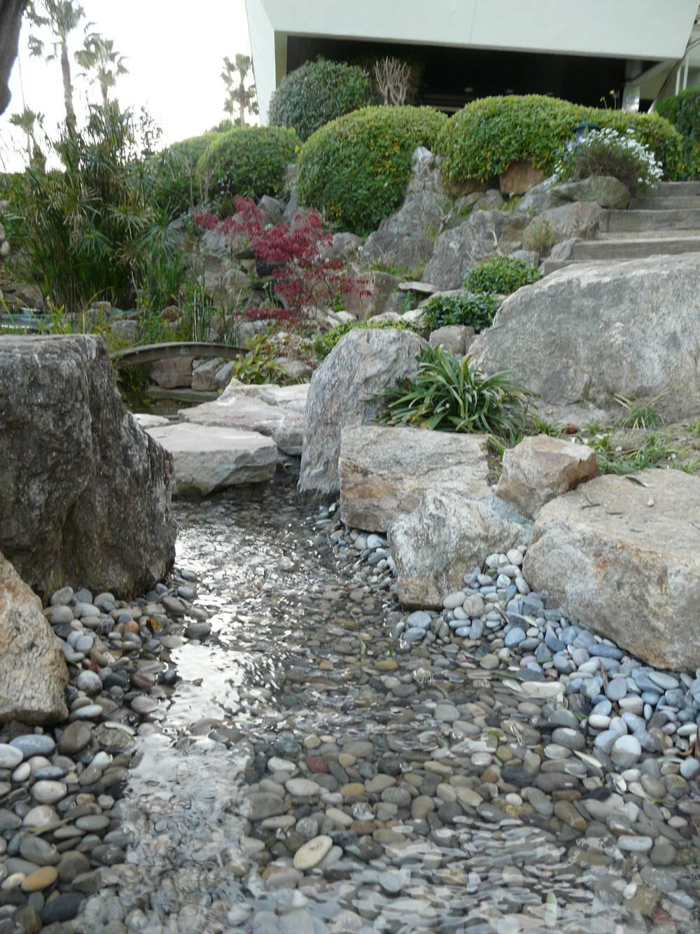 Cr ation de bassin artisan paysagiste cannes bocca jardins for Creation bassin de jardin